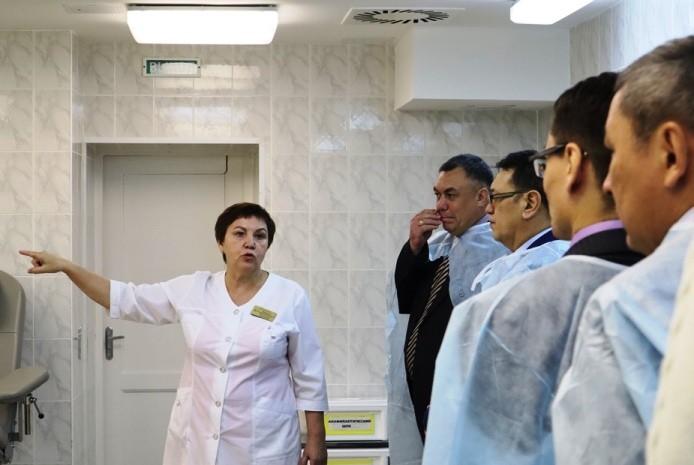 Казахстанских врачей впечатлил омский онкодиспансер