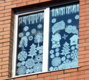 Новый год по-омски: чья ёлка круче, расписные валенки и парад Дедов Морозов