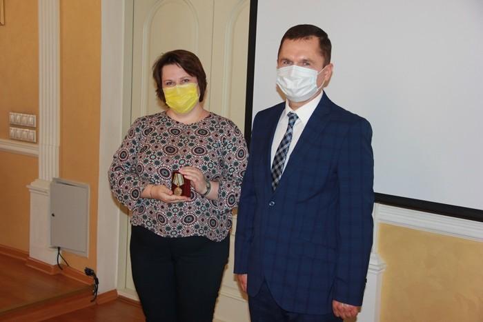 ФондМанякина наградил сотрудников медицинского университета