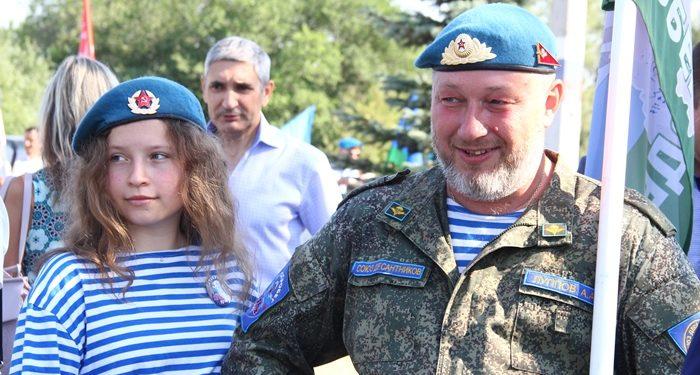 В Парке Победы открыт закладной камень в память о подвиге российских десантников в Чечне (ФОТО)