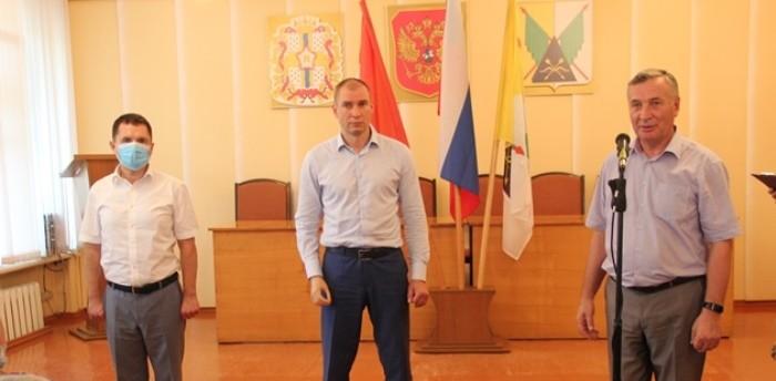 поздравления законодательному собранию омской области с юбилеем какая история может