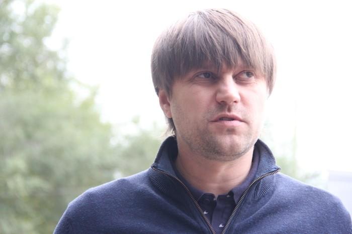 """На остановке """"Лесной проезд"""" в Омске уложат тактильную плитку"""