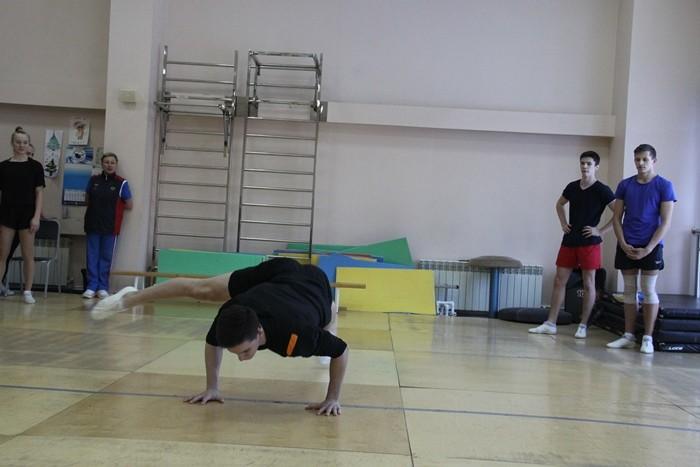 Омские аэробисты продолжают подготовку к соревнованиям  (ФОТО)