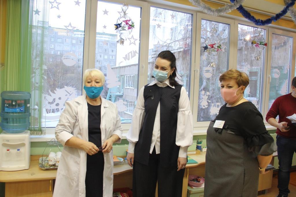 Мэр Омска провела выездное совещание по вопросу отопления в детских садах и школах (ФОТО)