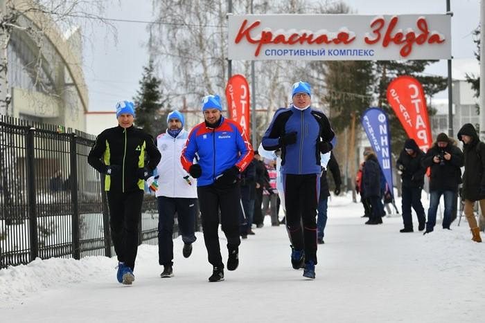 Бурков в почти 20-градусный мороз пробежал три километра (ФОТО)
