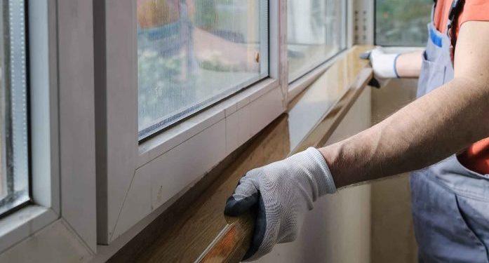 В 9 домах вдоль новой дороги на Левобережье Омска поставили пластиковые окна