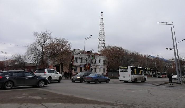А у соседа лучше? Общественный транспорт в Омске и Петропавловске