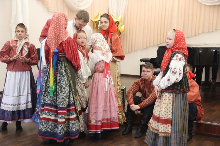 """Омские """"Гусельки"""" готовятся к Детской фольклорной ассамблее (ФОТО)"""