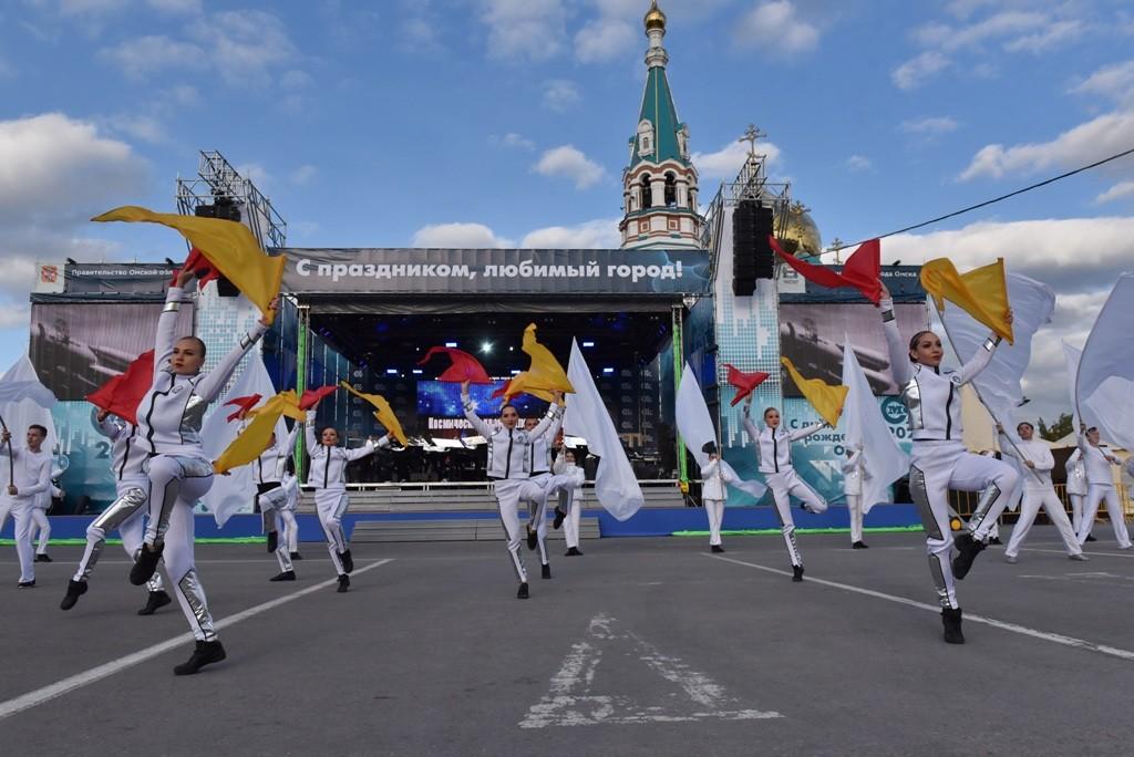 На Соборной площади для омичей выступил Владимир Пресняков [ФОТО]