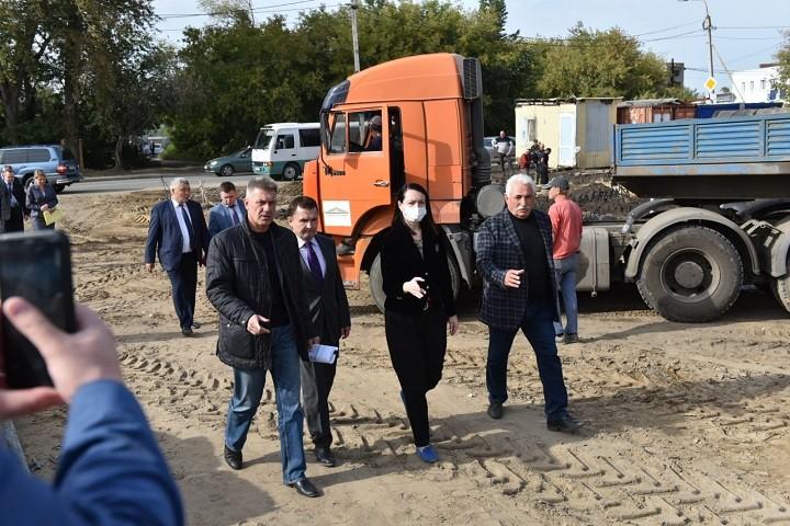 Мэр Омска проверила строительство детсада в посёлке Биофабрика