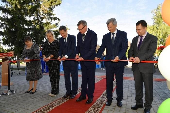 В Калачинске после реконструкции открылся культурно-досуговый центр